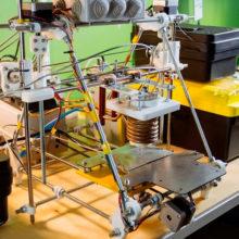Магистрант СНИУ разработал 3D принтер: он дешевле и эффективнее аналогов